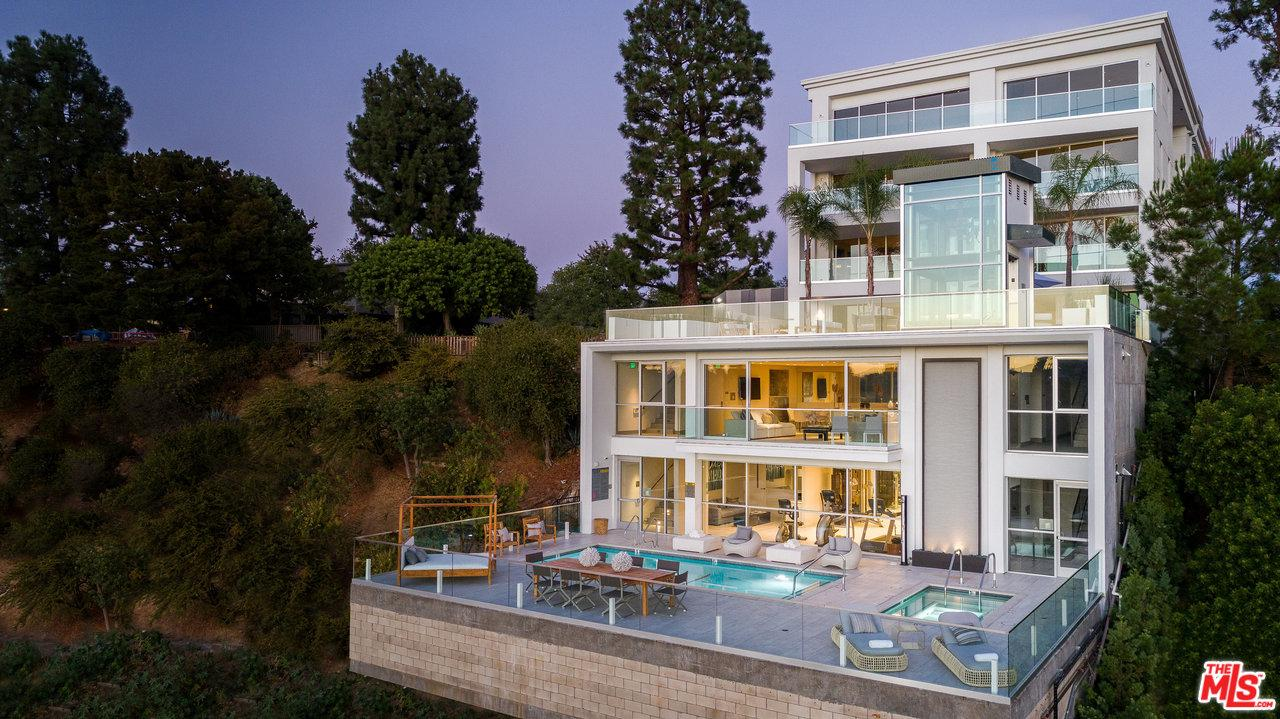 2391 ROSCOMARE Road, Bel Air, California