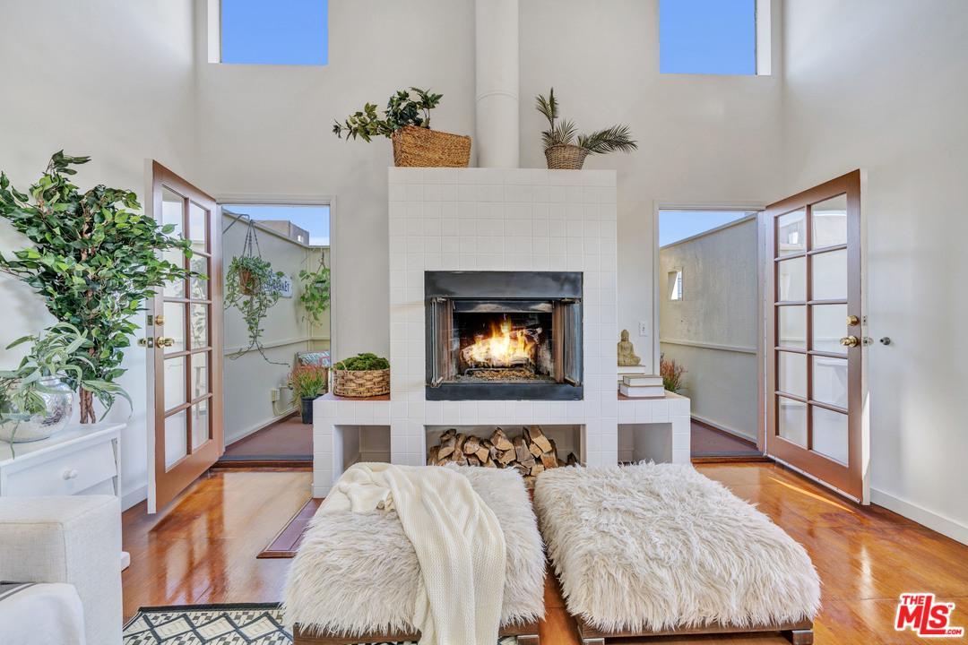 667 Brooks Avenue Venice, CA 90291