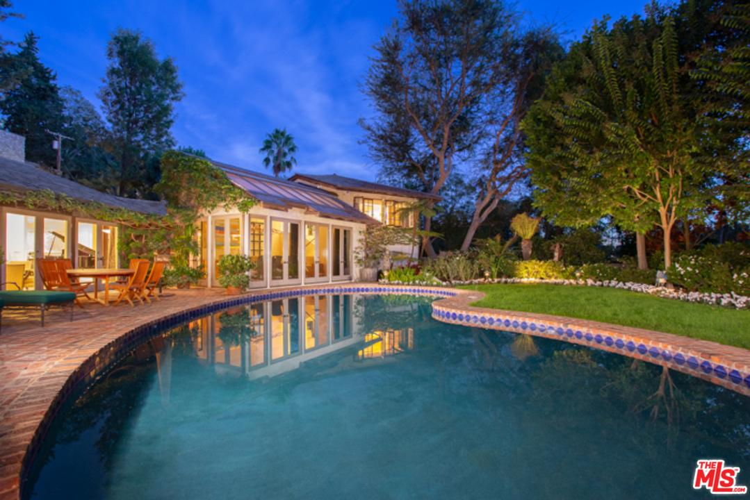 9051 BRIARCREST Lane, Beverly Hills, California