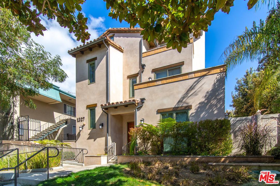 1327 Euclid Street Santa Monica, CA 90404