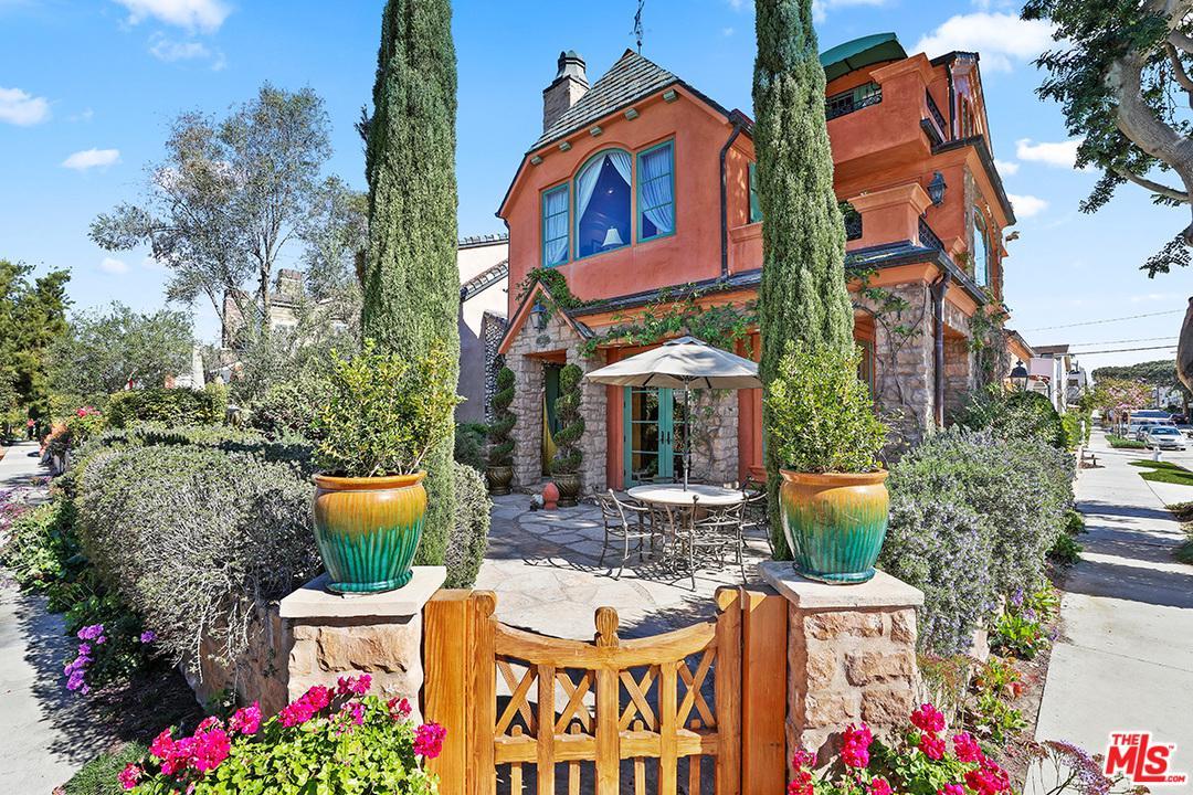 Corona Del Mar Homes for Sale -  Cul De Sac,  300 LARKSPUR Avenue