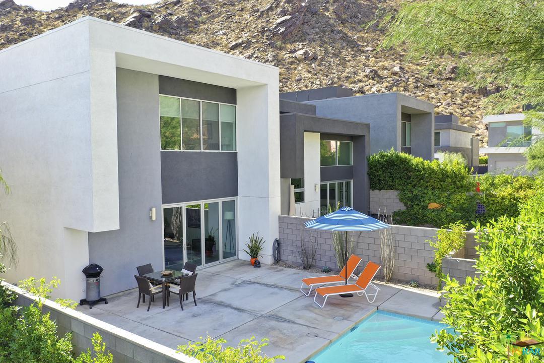 332 Goleta Way Palm Springs, CA 92264