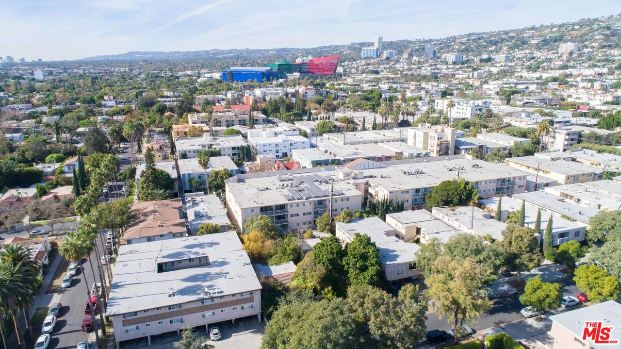 511 North Flores West Hollywood, CA 90048
