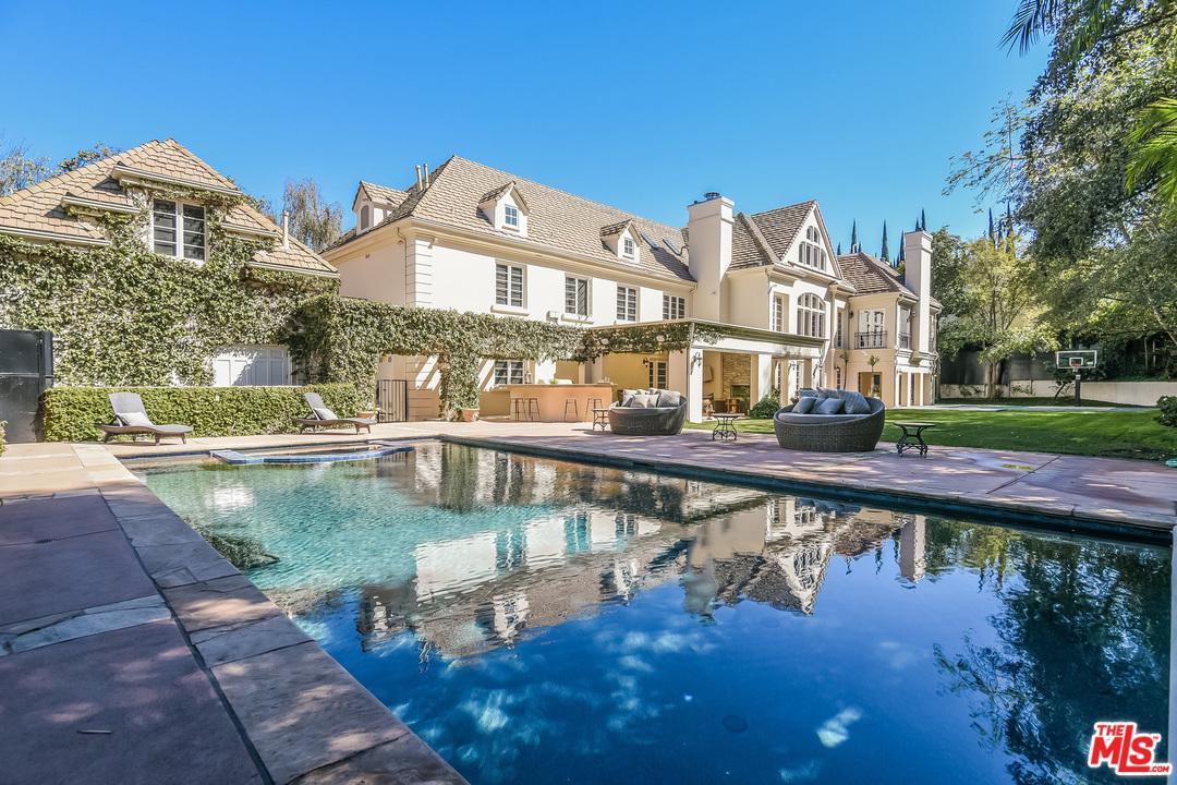 3901 LONGRIDGE Avenue, Sherman Oaks, California