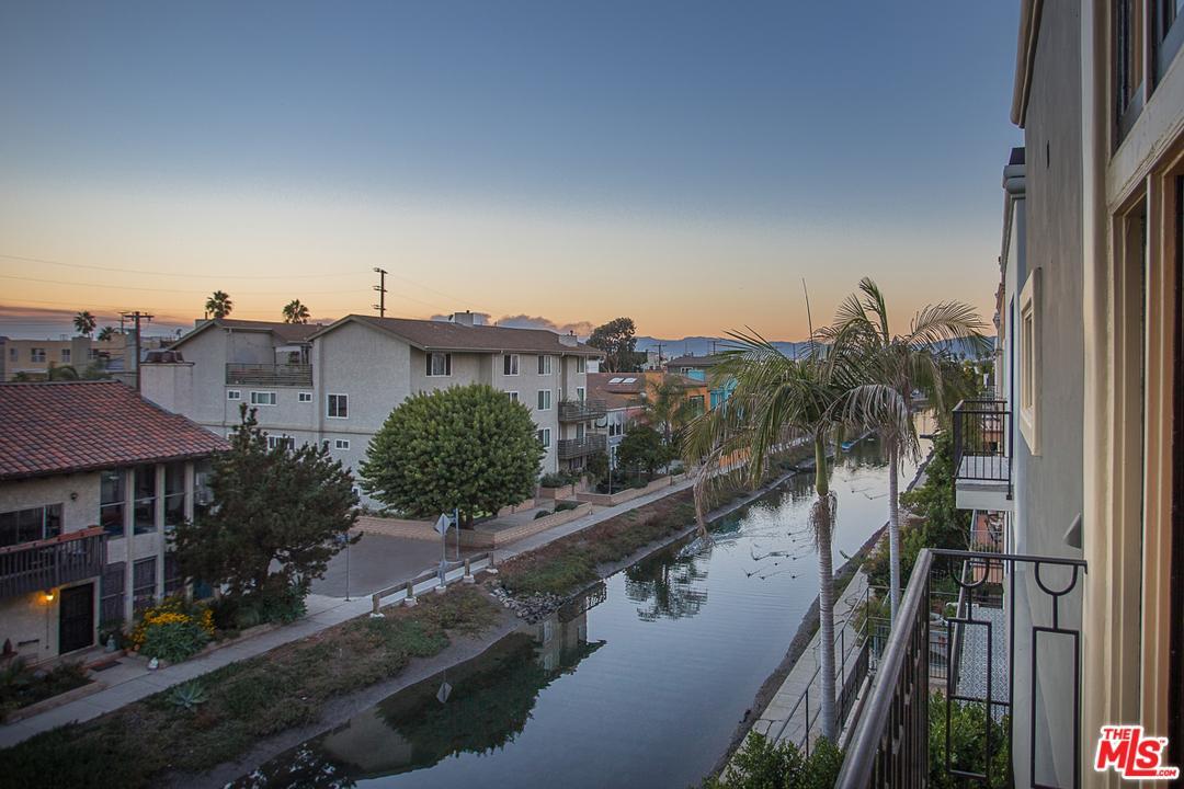 3807 Via Dolce Marina Del Rey, CA 90292