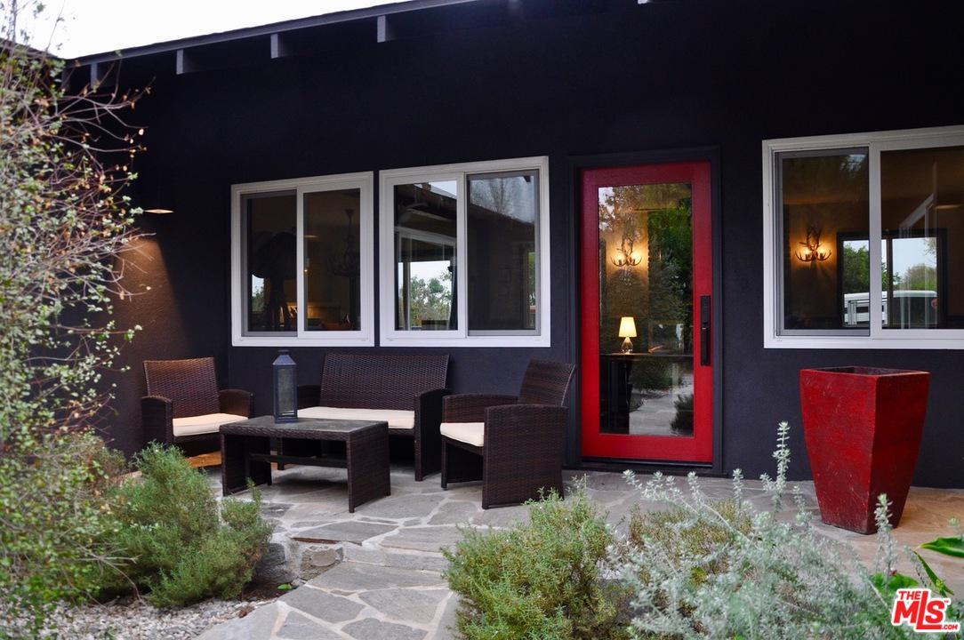 11224 Osborne Street Lakeview Terrace, CA 91342