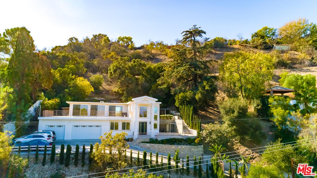 3680 DIXIE CANYON Avenue, Sherman Oaks in Los Angeles County, CA 91423 Home for Sale