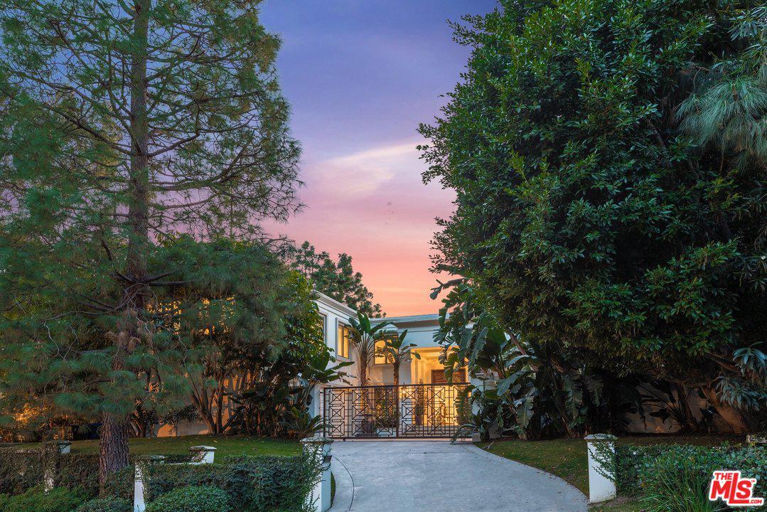 12000 CREST Court, Beverly Hills, California