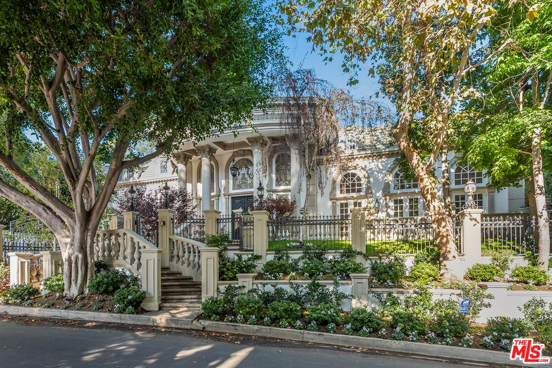 1116 LAUREL Way, Beverly Hills, California