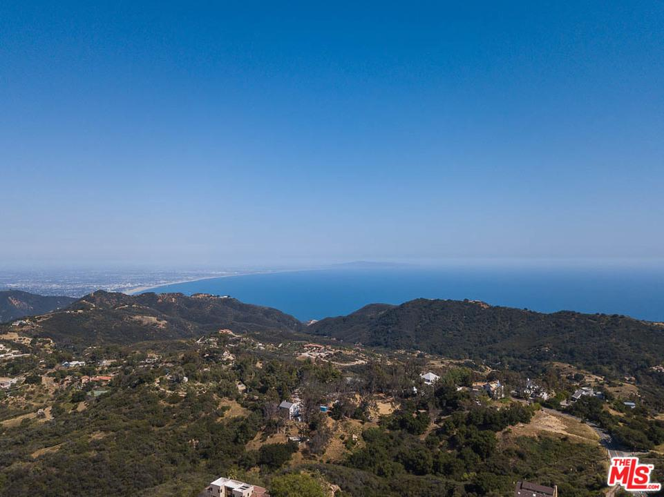 21530 Saddle Peak Road Topanga, CA 90290