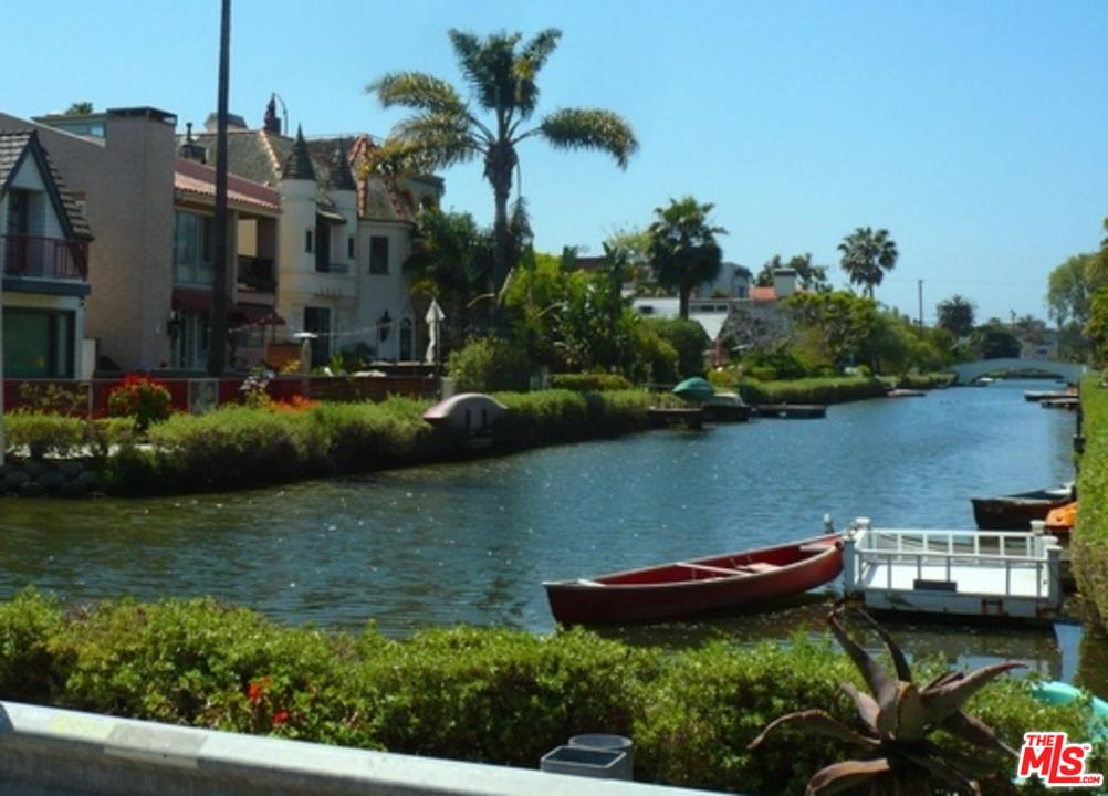 2309 Ocean Avenue Venice, CA 90291