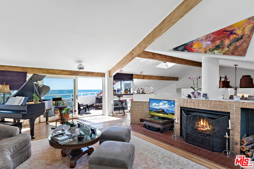21625 PACIFIC COAST Highway, Malibu Canyon, California