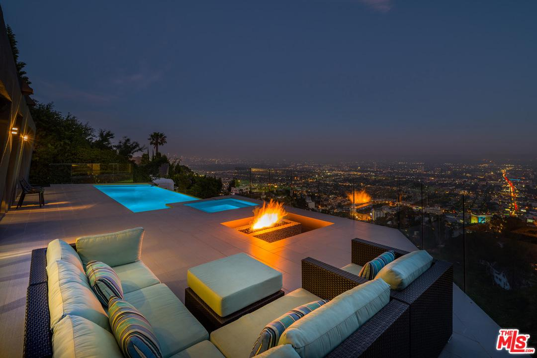 8476 Cole Crest Drive Los Angeles, CA 90046