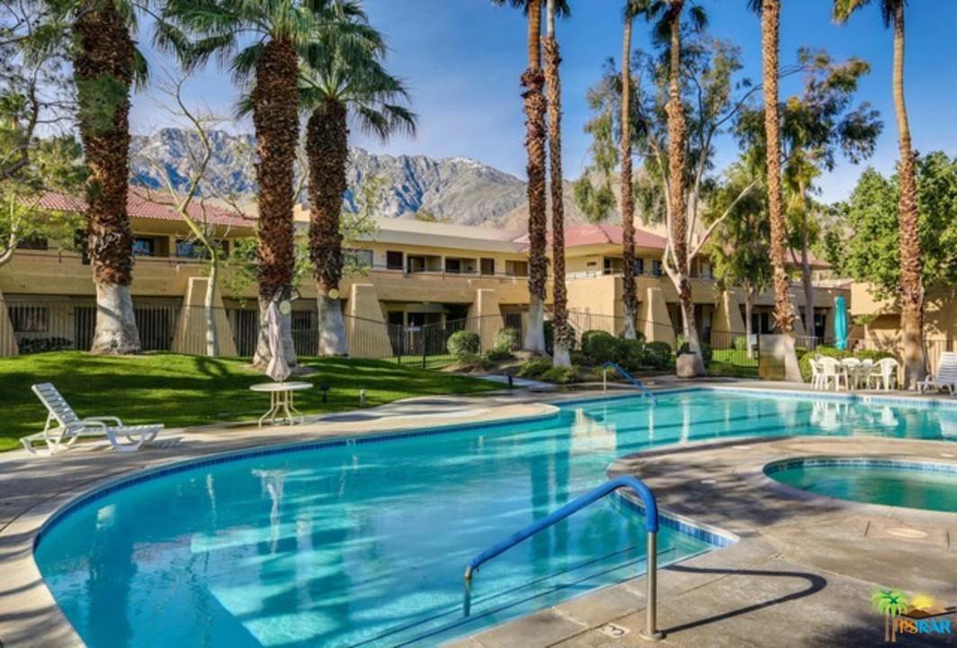 2822 North Auburn Court Palm Springs, CA 92262