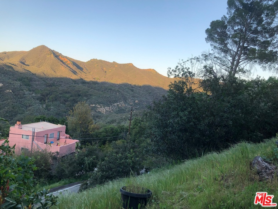 One of Topanga Homes for Sale at 19936 OBSERVATION Drive