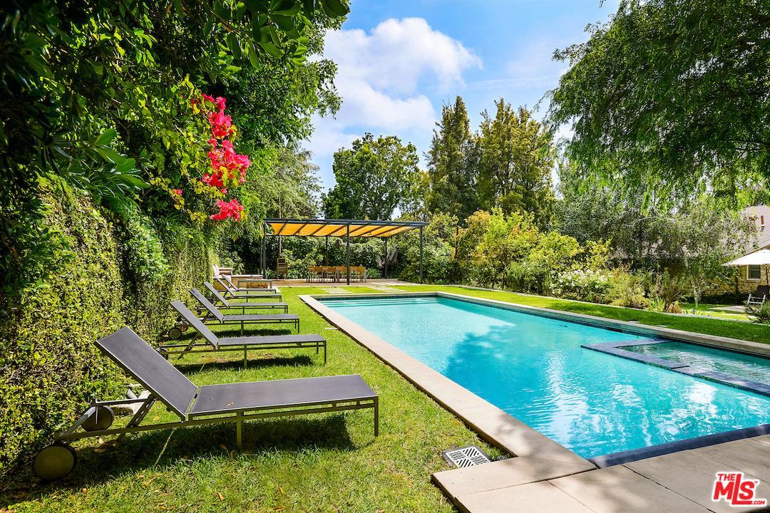 422 PARKWOOD Drive, Beverly Glen, California