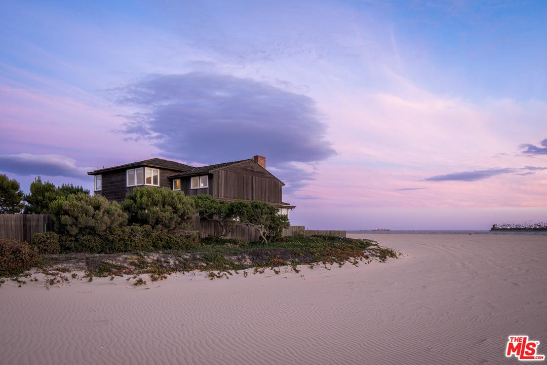 Cape Cod, Single Family - Long Beach, CA