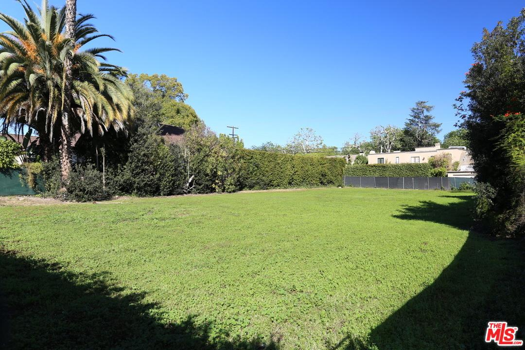 606 North REXFORD Drive, one of homes for sale in Beverly Hills PO
