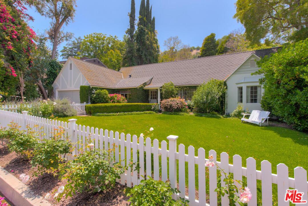 3827 DIXIE CANYON Avenue, Van Nuys in Los Angeles County, CA 91423 Home for Sale