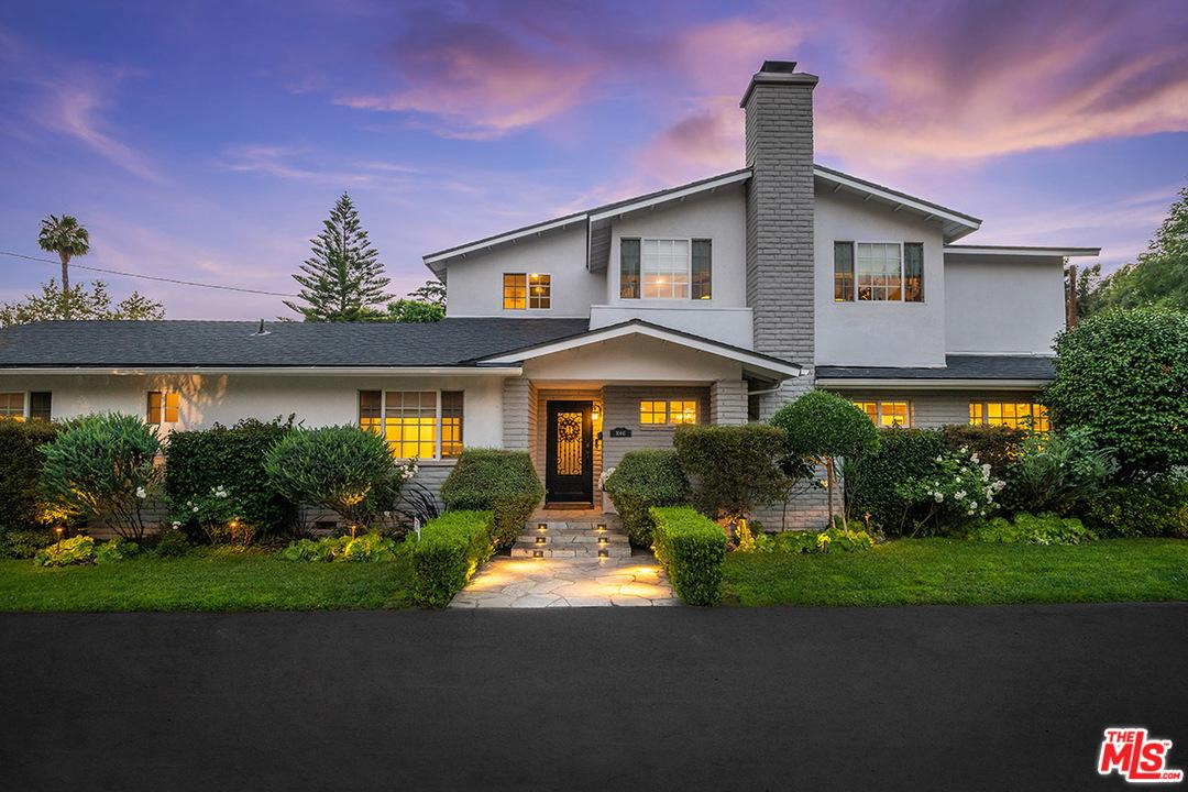 10441 SARAH Street, one of homes for sale in Toluca Lake