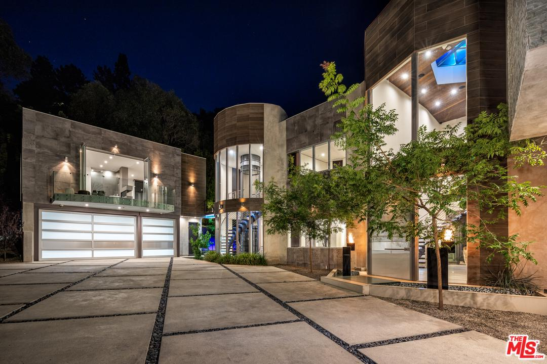 One of Bel Air 7 Bedroom Homes for Sale at 1006 CHANTILLY Road