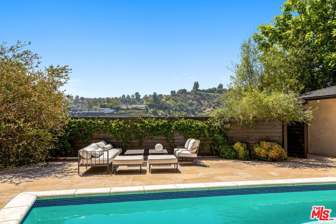 9520 DALEGROVE Drive, Beverly Hills PO, California