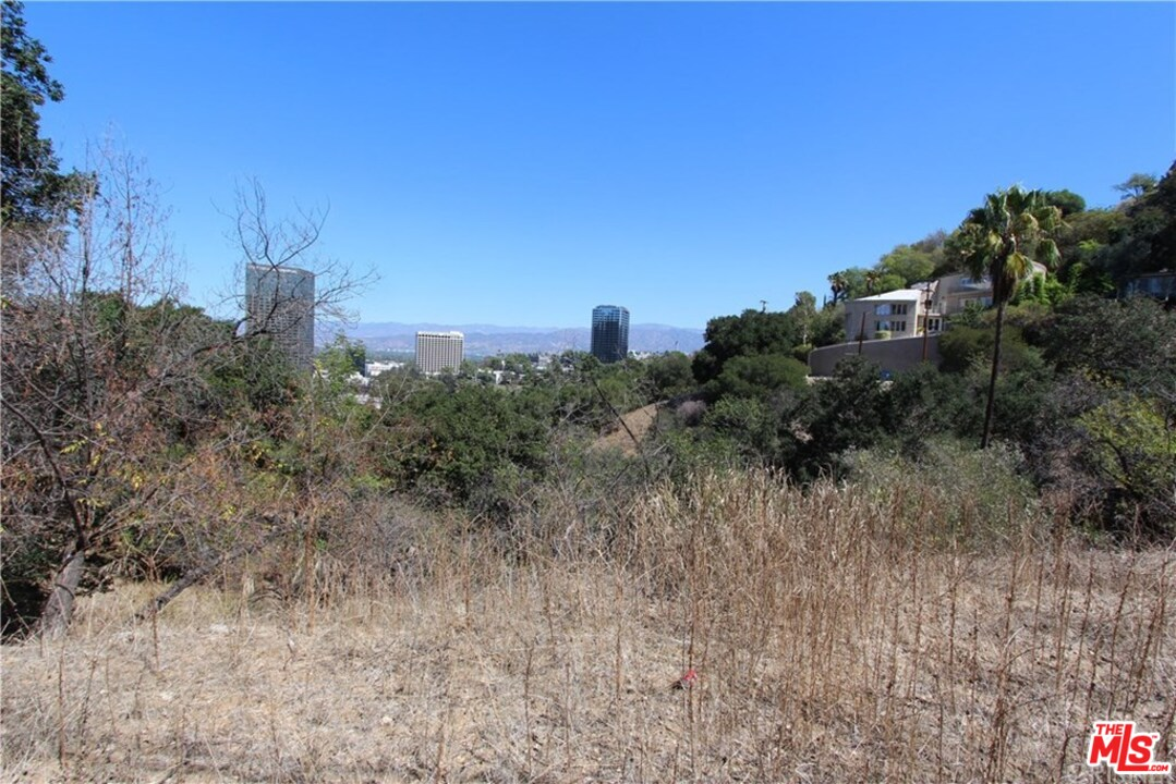 3593 MULTIVIEW Drive, Hollywood Hills, California