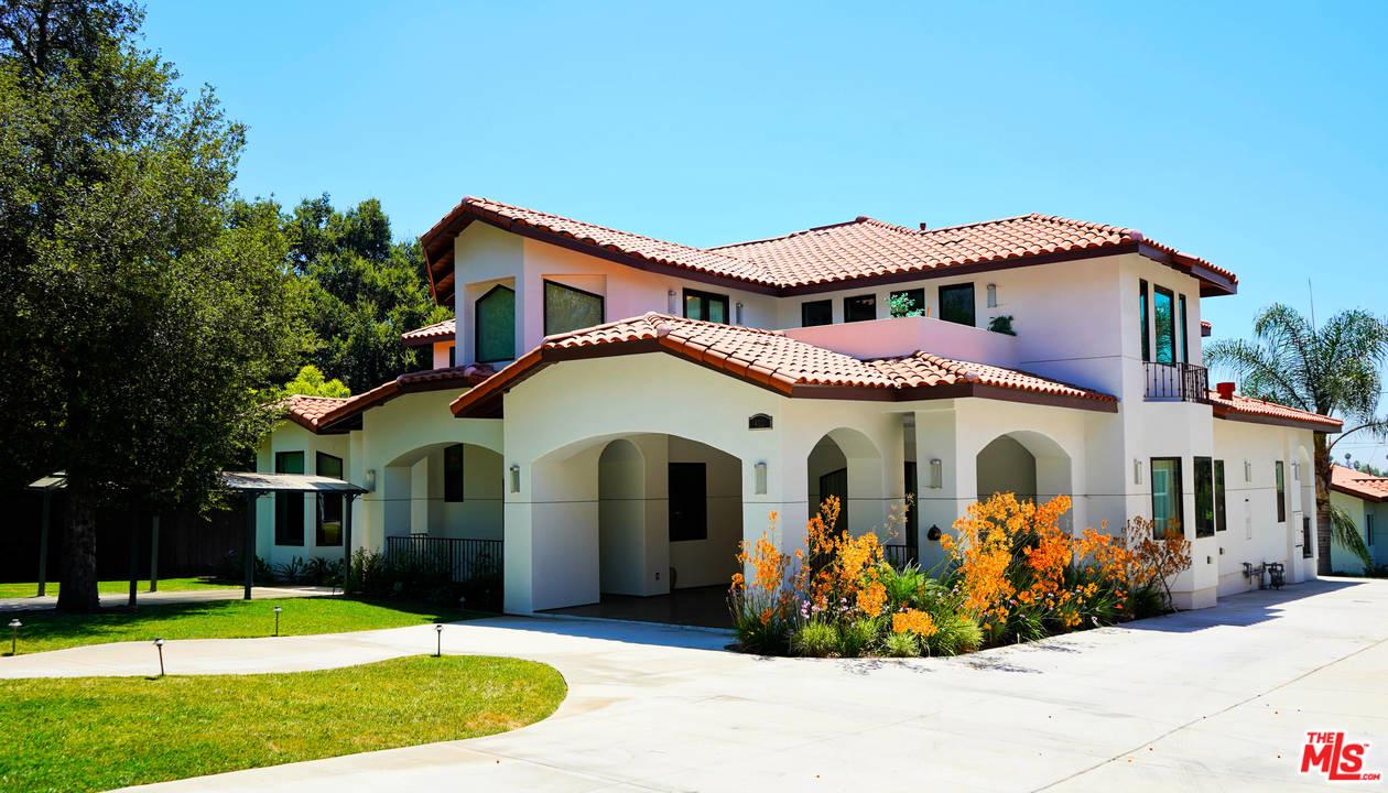 460 East SACRAMENTO Street, one of homes for sale in Altadena
