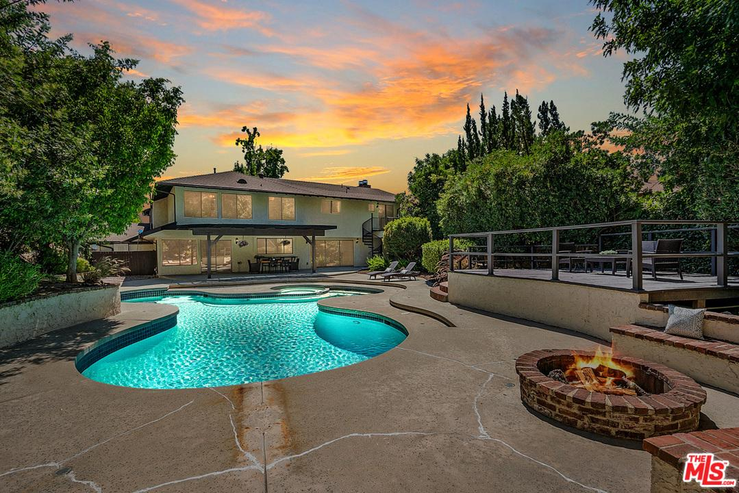 3177 GRANGEMONT Road, one of homes for sale in Glendale