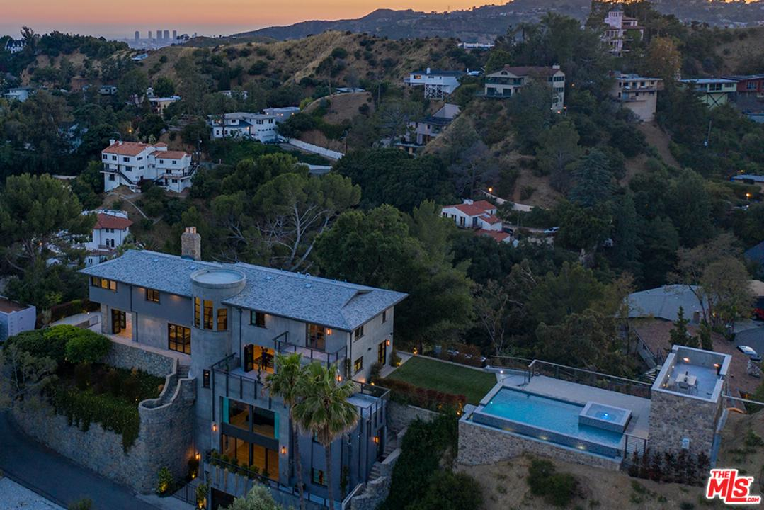 6201 RODGERTON Drive, Hollywood Hills, California