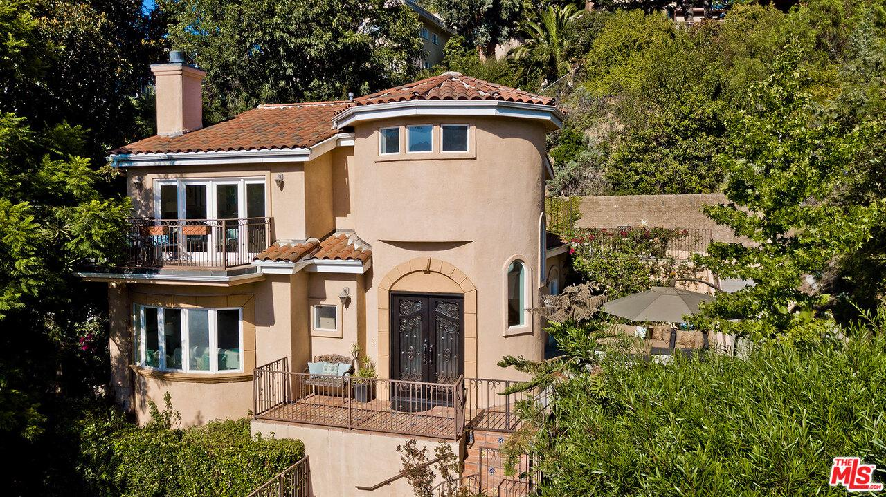 3130 HOLLYCREST Drive, Hollywood Hills in Los Angeles County, CA 90068 Home for Sale