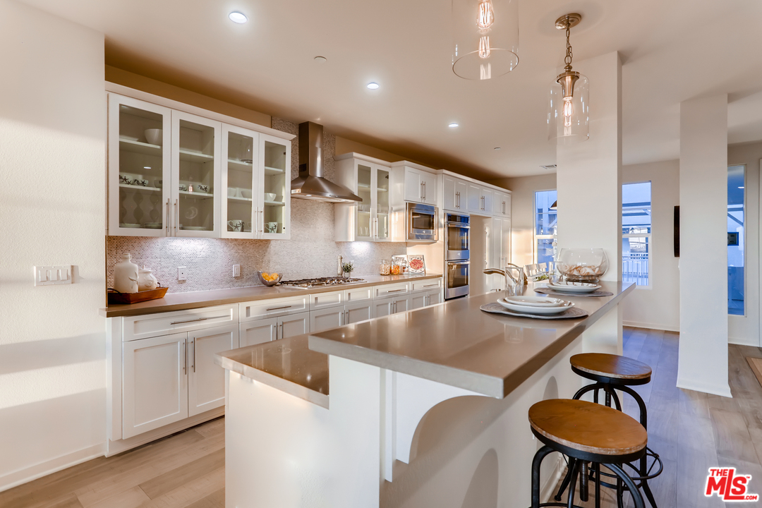 4062 TRADEWINDS Drive, one of homes for sale in Oxnard