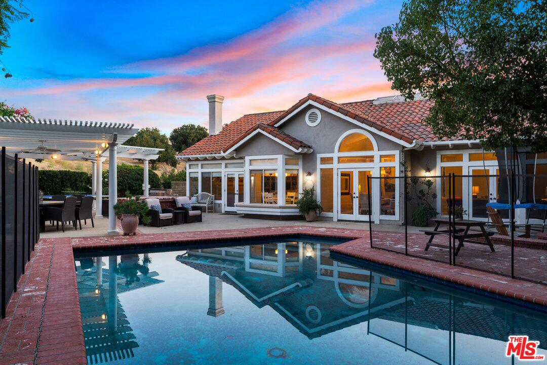 22101 CAIRNLOCH Street, Calabasas in Los Angeles County, CA 91302 Home for Sale