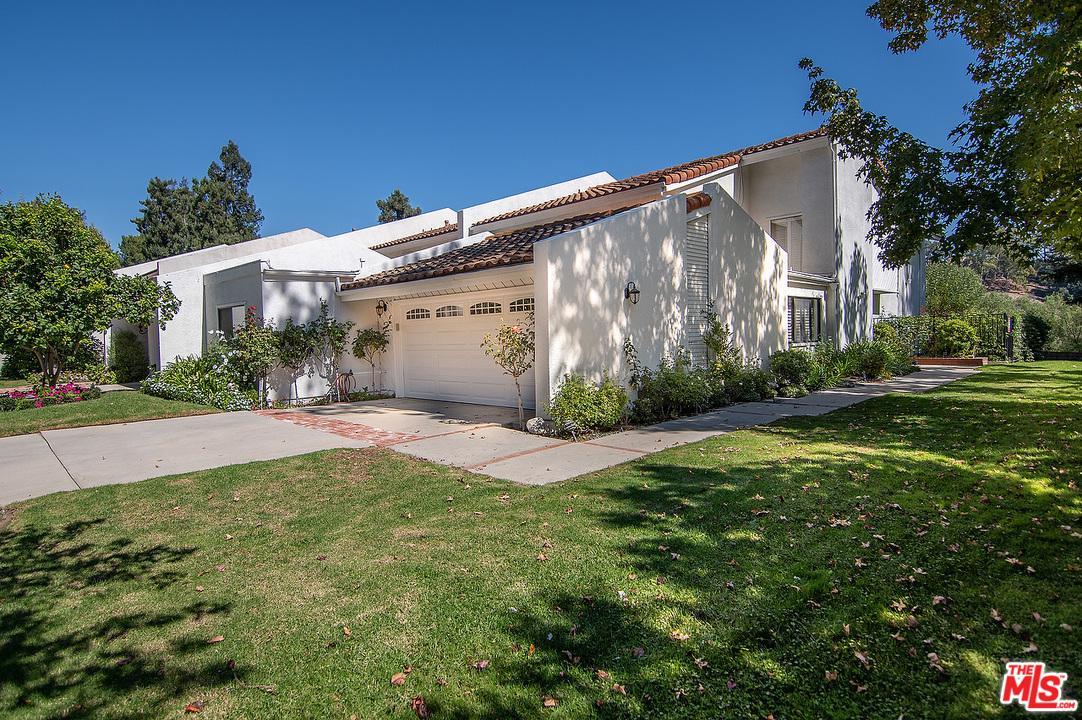 2648 CLARAY Drive, Beverly Glen, California