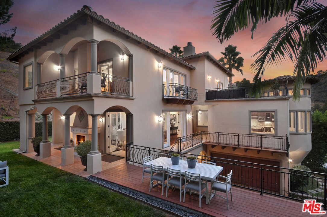 15000 SUNSTONE Place, Van Nuys, California