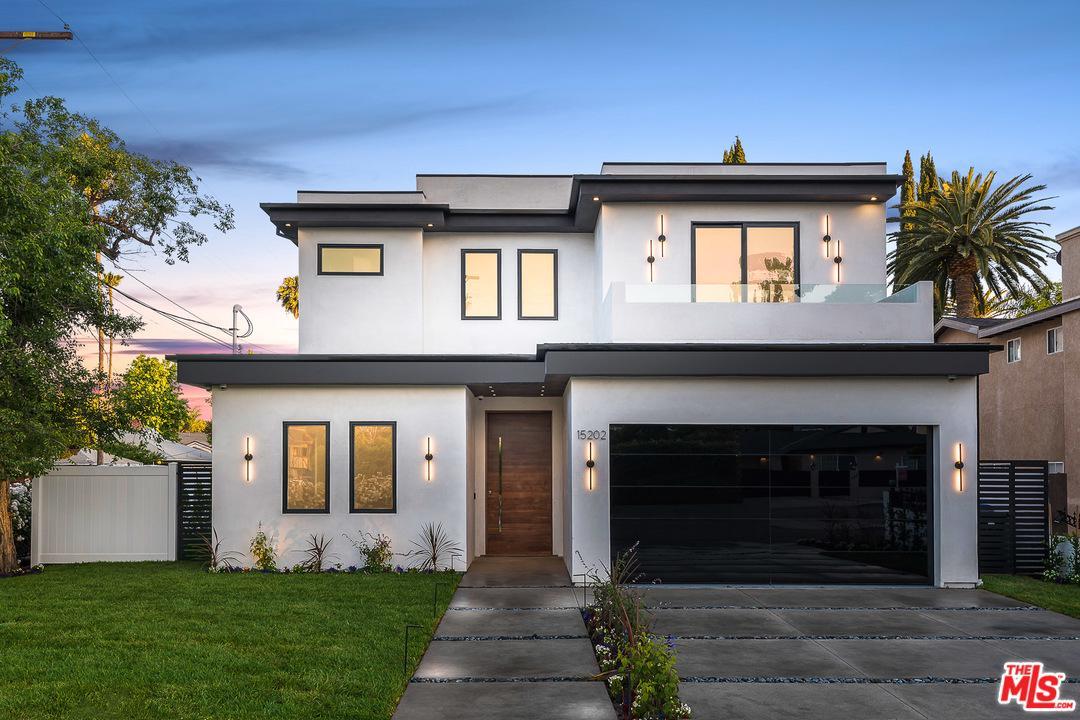 15202 HARTSOOK Street, Van Nuys in Los Angeles County, CA 91403 Home for Sale