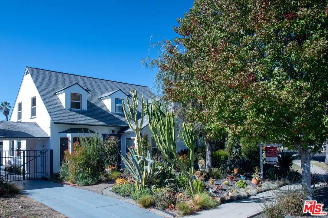 3917 EDGEHILL Drive, Crenshaw, California