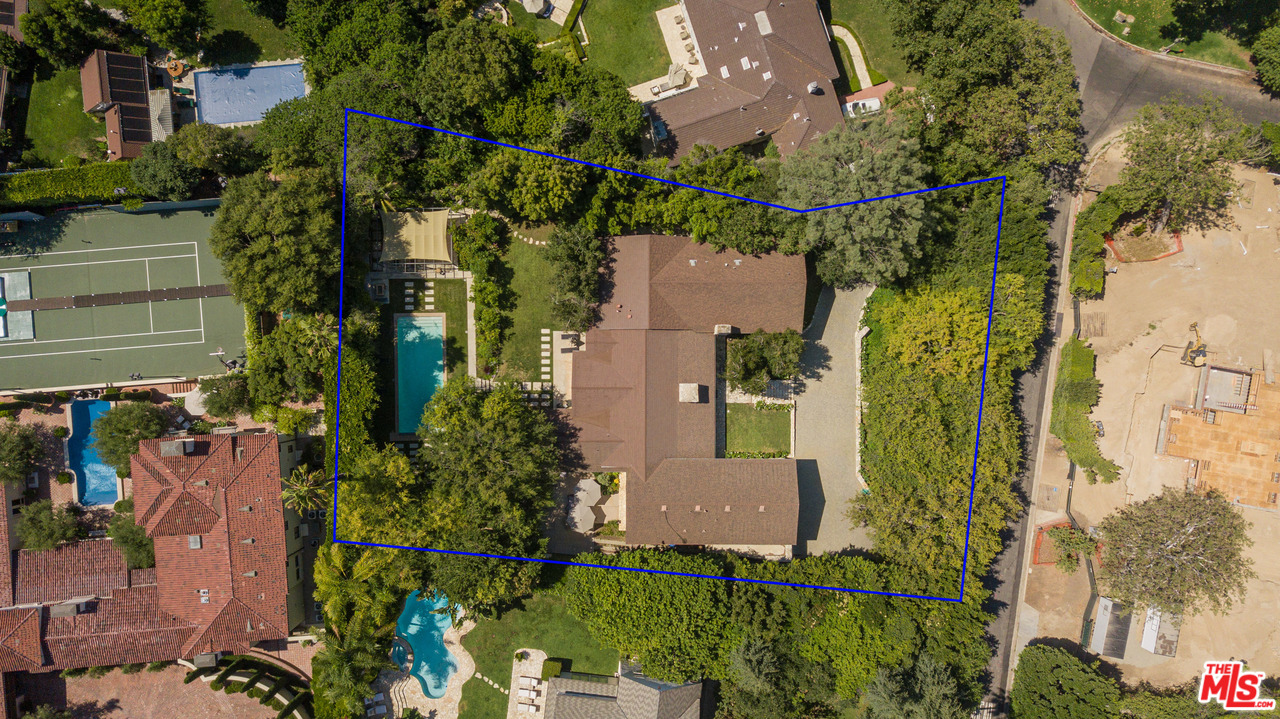 422 DR PARKWOOD, Beverly Glen, California
