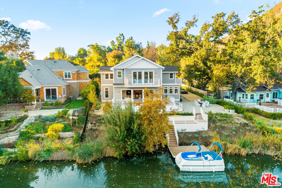 2222 PL Triunfo, one of homes for sale in Agoura Hills