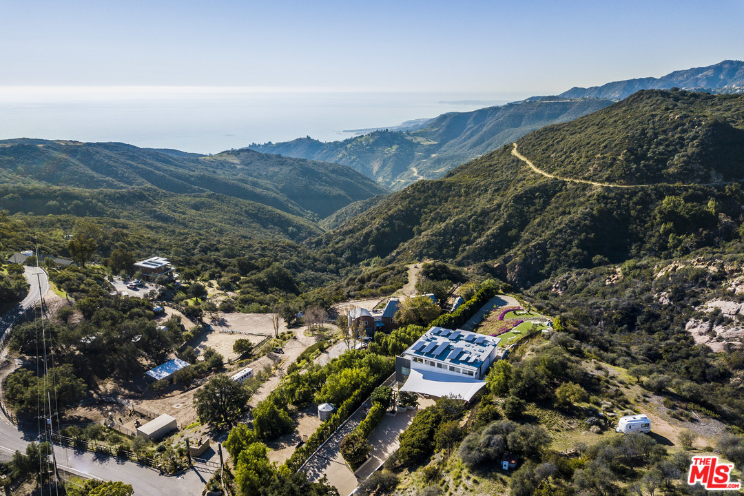 2915 TUNA CANYON Road, Topanga, California