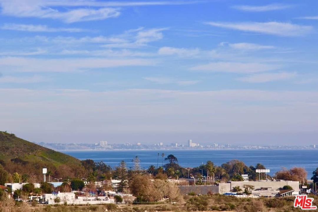 23908 DE VILLE Way, Malibu, California