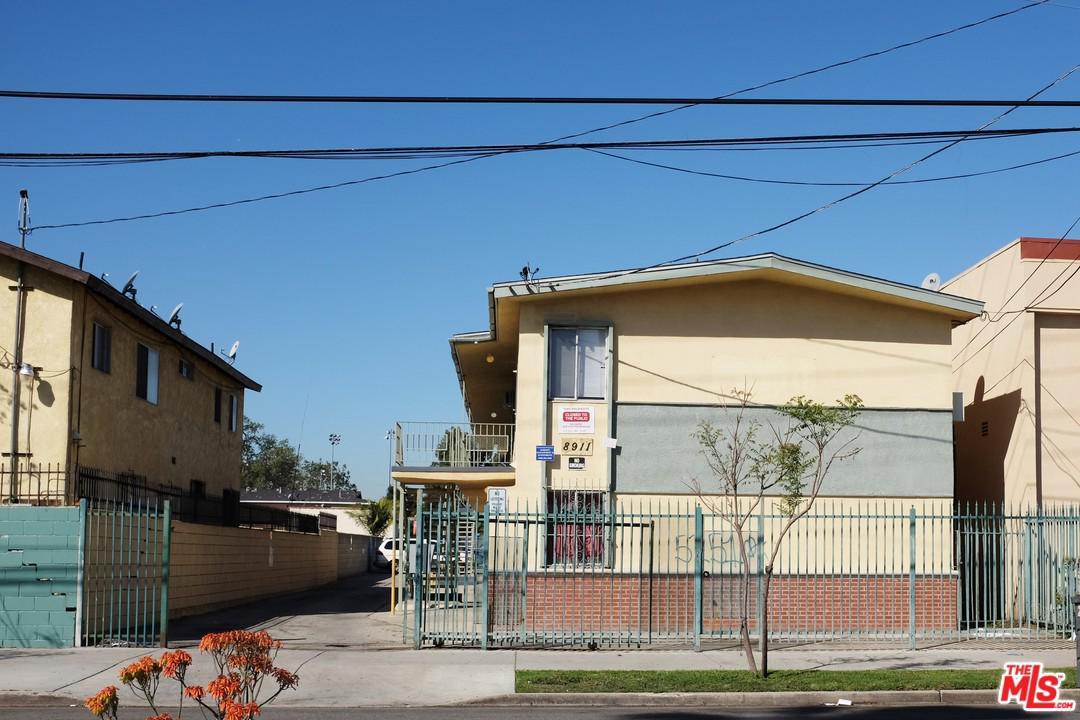 8911 South Figueroa Street Los Angeles, CA 90003