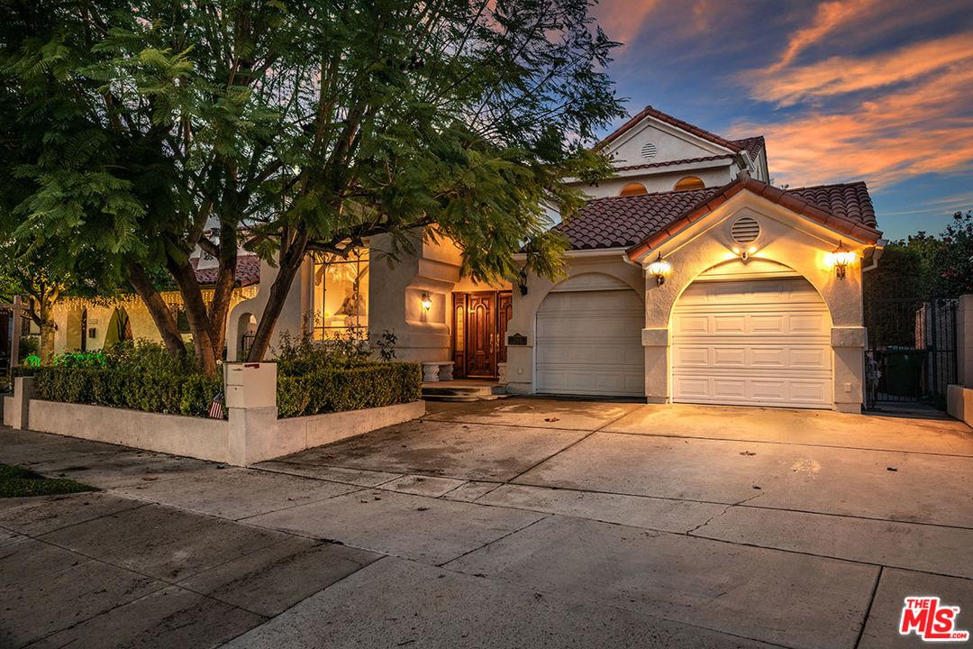 10411 Woodbridge Street Toluca Lake, CA 91602
