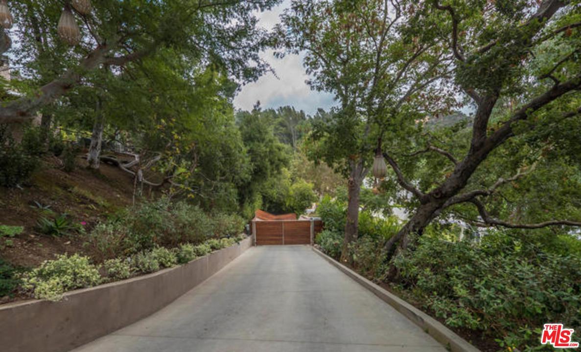 11011 Anzio Road Los Angeles, CA 90077