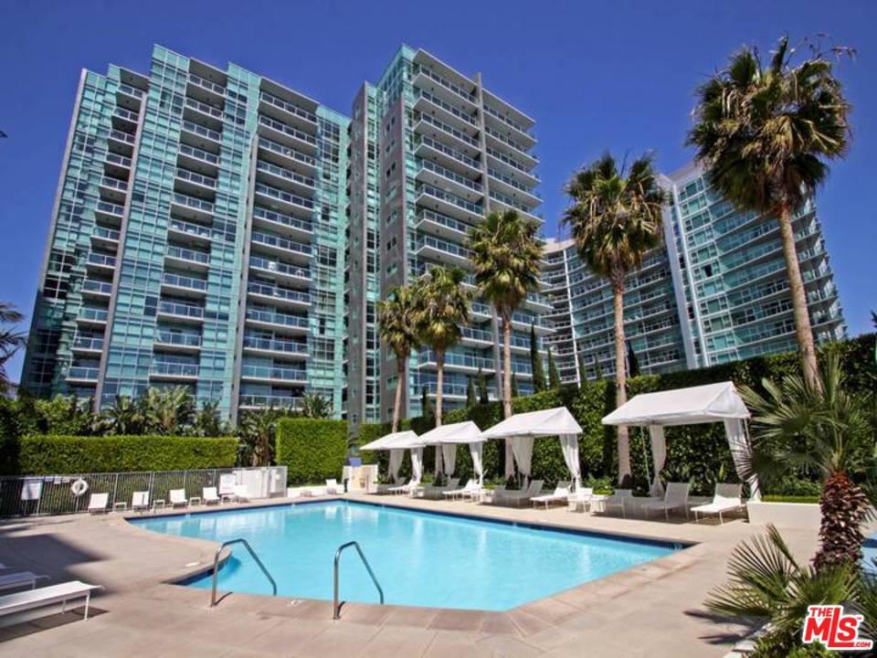 13700 Marina Pointe Drive Venice, CA 90292