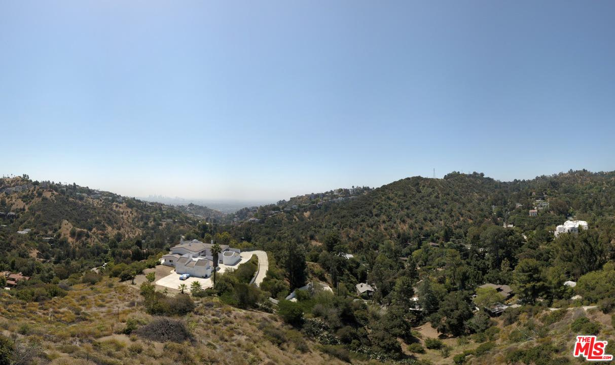 East Horse Shoe Canyon Road Los Angeles, CA 90046