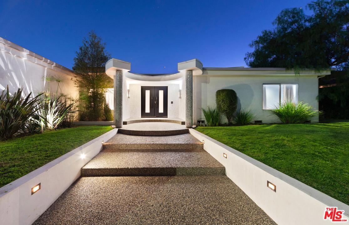 2433 Venus Drive Los Angeles, CA 90046