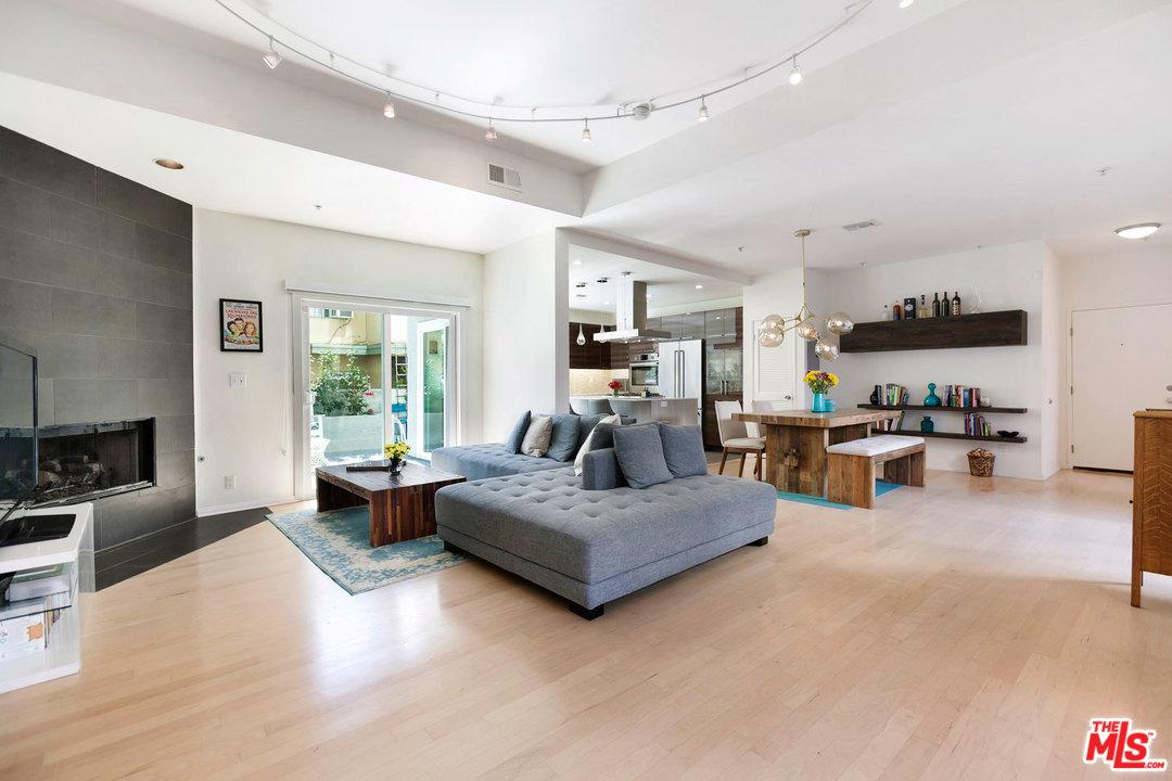 One of Gated Santa Monica Homes for Sale at 907 LINCOLN