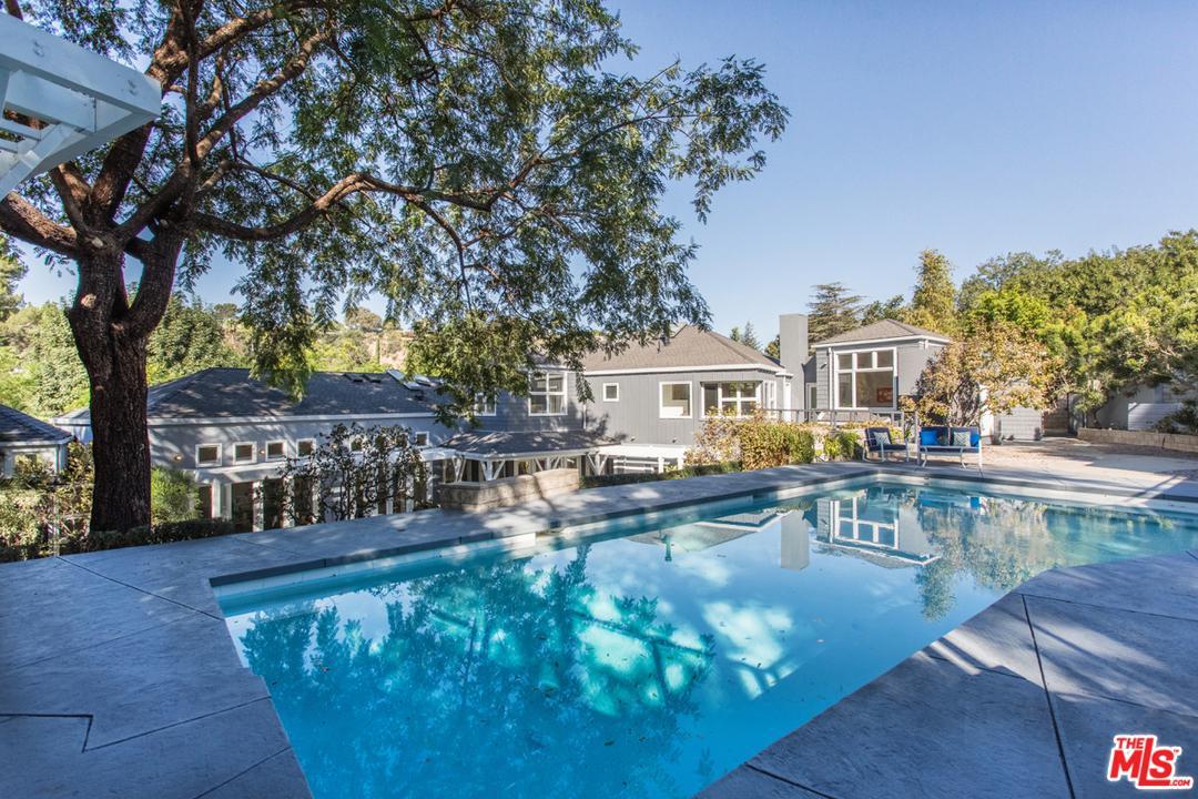 3900 Kingswood Road Sherman Oaks, CA 91403