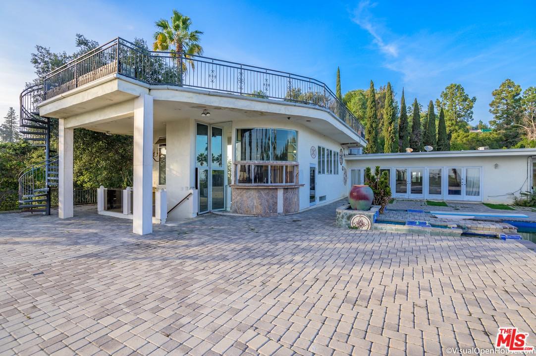 430 ROBERT LANE, Beverly Hills, California